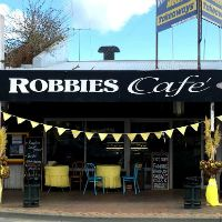 robbie-s-cafe-and-milk